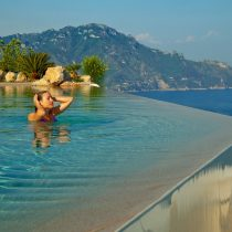 Kampanien_Hotel Monastero_MSR-Infinity-Pool-Close-Up-Guest