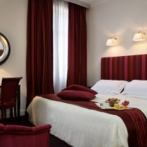 Latium_Hotel Bernini Bristol 670841_Deluxe_Room_contemporary_style