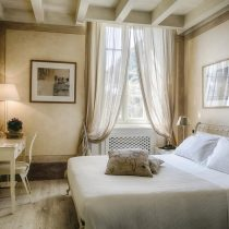 Lombardei_Relais Villa Vittoria_Classic Room with partial view