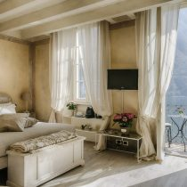 Lombardei_Relais Villa Vittoria_Romantic Lake View Room with Balcony