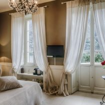 Lombardei_Relais Villa Vittoria_Romantic Lake view Room with terrace