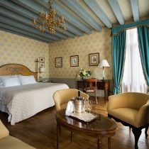 Veneto_Villa Cipriani_Grand_deluxe_junior_suite_terrace